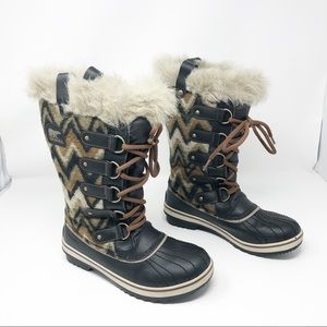 New Sorel Tofino Boots Chevron Pattern Waterproof
